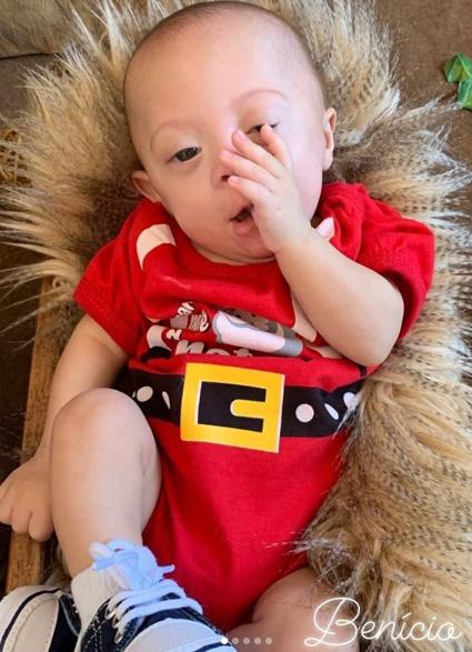 Bebê Benício, um dos quíntuplos capixabas, passa por atendimento no HIFA e recebe alta