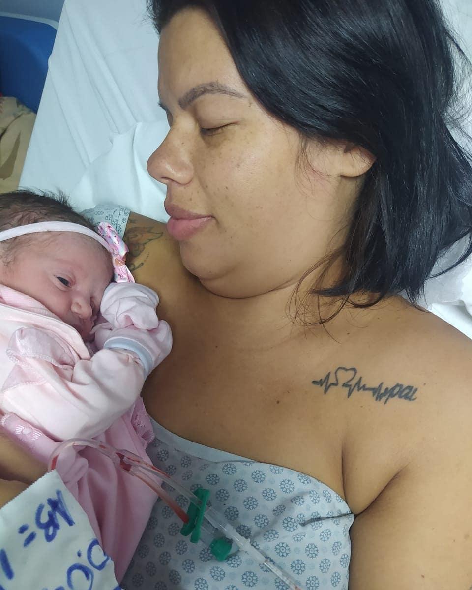 Após engravidar durante quimioterapia, moradora de Guarapari ganha bebê no HIFA