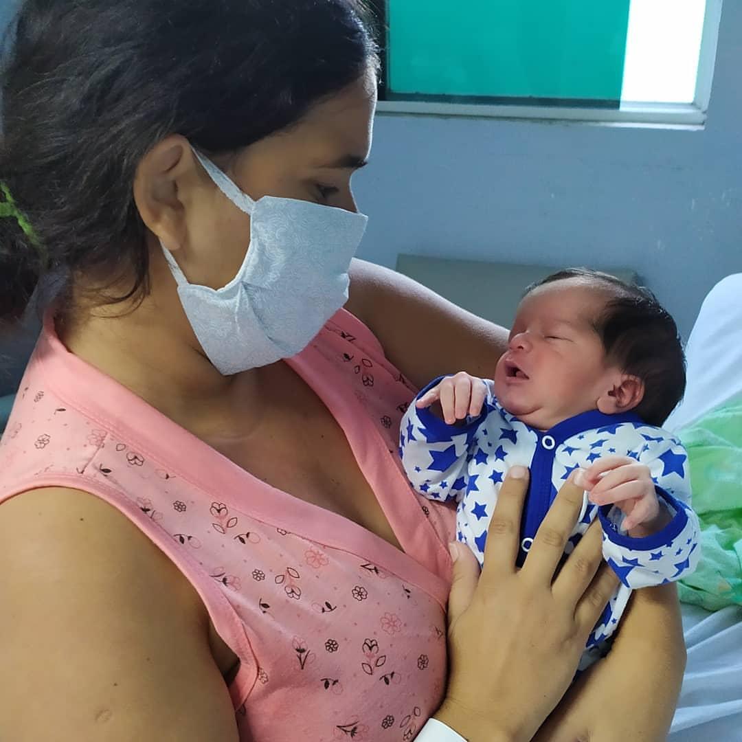 Bebê nasce dentro da ambulância e é acolhido pela equipe do HIFA